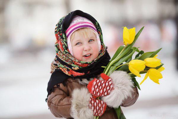 Поздравления для девочек на 8 марта